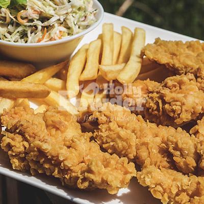 Menü mit Burger in Knusperpanade Pommes Sauce E24